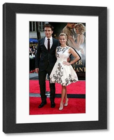 Robert Pattinson and Reese Witherspoon at the premiere of 'Water for Elephants' in New York City - 17 April 2011 FAMOUS PICTURES AND FEATURES AGENCY 13 HARWOOD ROAD LONDON SW6 4QP UNITED KINGDOM tel 0 fax 0 e-mail FAM41109
