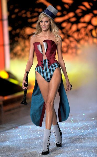 Anja Rubik at the 2011 Victoria's Secret Fashion Show at the Lexington Avenue Armory in New York City - 09 November 2011 FAM43148