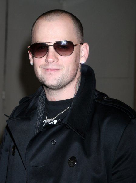 Benji Madden of Good Charlotte at the MTV Studios in New York City for TRL - 26 March 2007 FAMOUS PICTURES AND FEATURES AGENCY 13 HARWOOD ROAD LONDON SW6 4QP UNITED KINGDOM tel 0 fax 0 e-mail FAM19911