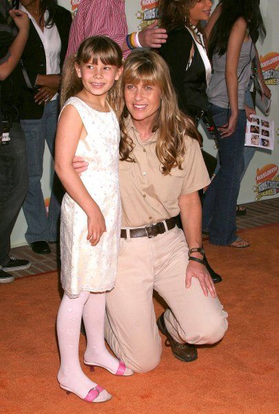 Bindy and Terri Irwin at the 20th Nickelodeon Kids Choice Awards held at Pauley Pavilion on the UCLA Campus in Los Angeles - 31 March 2007 FAMOUS PICTURES AND FEATURES AGENCY 13 HARWOOD ROAD LONDON SW6 4QP UNITED KINGDOM tel +44 (0) 20 7731 9333 fax +44