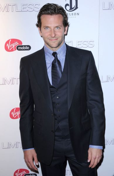"Bradley Cooper at the premiere of '""Limitless"" in New York City - 08 March 2011 FAMOUS PICTURES AND FEATURES AGENCY 13 HARWOOD ROAD LONDON SW6 4QP UNITED KINGDOM tel 0 fax 0 e-mail FAM40795"