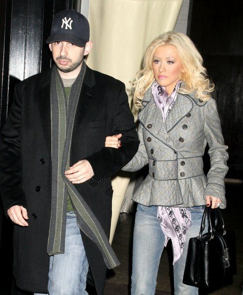 Christina Aguilera and her husband Jordan Bratman spotted leaving their hotel to go to dinner at The Spotted Pig in New York City - 22 March 2007 FAMOUS PICTURES AND FEATURES AGENCY 13 HARWOOD ROAD LONDON SW6 4QP UNITED KINGDOM tel 0 fax 0 e-mail