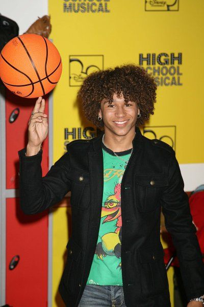 Corbn Bleu at the premiere of Disney's 'High School Musical' at Embargoed, London - 10 September 2006 FAMOUS PICTURES AND FEATURES AGENCY 13 HARWOOD ROAD LONDON SW6 4QP UNITED KINGDOM tel +44 (0) 20 7731 9333 fax +44 (0) 20 7731