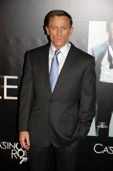 Daniel Craig at the 'Casino Royale' Premiere in Madrid - 20 November 2006 FAMOUS PICTURES AND FEATURES AGENCY 13 HARWOOD ROAD LONDON SW6 4QP UNITED KINGDOM tel +44 (0) 20 7731 9333 fax +44 (0) 20 7731 9330 e-mail info@famous.uk.com www