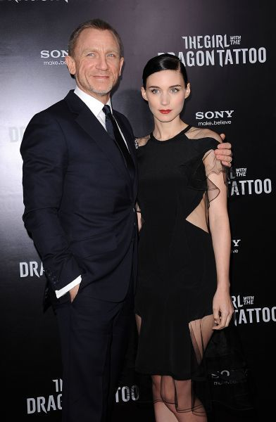 Daniel Craig and Rooney Mara at the premiere of 'The Girl with the Dragon Tattoo' in New York City - 14 December 2011 FAMOUS PICTURES AND FEATURES AGENCY 13 HARWOOD ROAD LONDON SW6 4QP UNITED KINGDOM tel 0 fax 0 e-mail  FAM43521