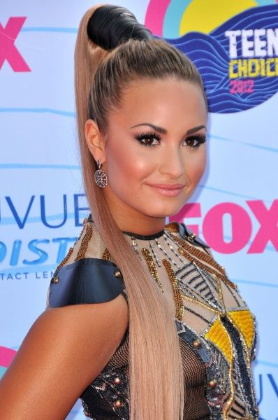 Demi Lovato at the 2012 Teen Choice Awards in Los Angeles - 22 July 2012