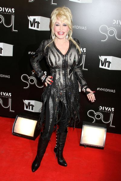 Dolly Parton at the VH1 DIVAS Celebrates Soul event in New York City - 18 December 2011 FAM43555