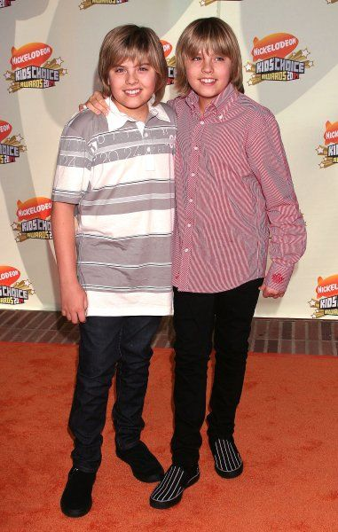Dylan and Cole Sprouse at the 20th Nickelodeon Kids Choice Awards held at Pauley Pavilion on the UCLA Campus in Los Angeles - 31 March 2007 FAMOUS PICTURES AND FEATURES AGENCY 13 HARWOOD ROAD LONDON SW6 4QP UNITED KINGDOM tel +44 (0) 20 7731 9333 fax +44