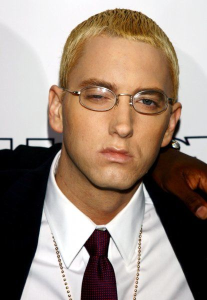 Eminem at the 2004 Shady National Convention at Roseland Ballroom in New York City, 28 October 2004. FAMOUS PICTURES AND FEATURES AGENCY tel +44 (0) 20 7731 9333 fax +44 (0) 20 7731 9330 e-mail info@famous.uk.com www.famous.uk.com FAM13830