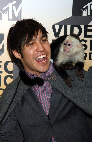 FALL OUT BOYs Pete Wentz arrives at the 2006 MTV Video Music awards 2006, held at the Radio City Music Hall, New York City - 31 August 2006 FAMOUS PICTURES AND FEATURES AGENCY 13 HARWOOD ROAD LONDON SW6 4QP UNITED KINGDOM tel +44 (0) 20 7731 9333 fax +44