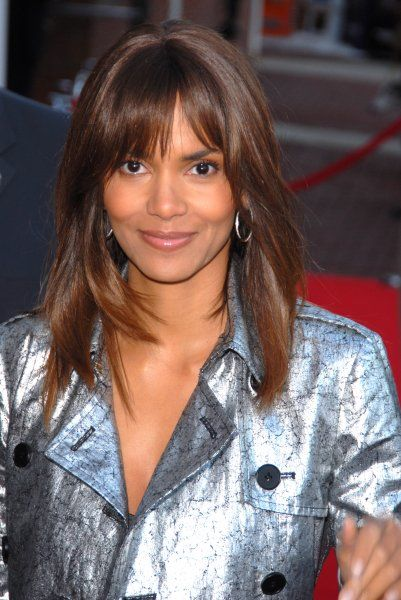 "Halle Berry at the Philadelphia premiere of ""Perfect Stranger"" at the Ritz Five Theater in Pennsylvania - 20 March 2007 FAM19856"