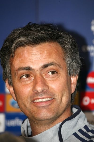 Jose Mourinho at a press conference for Chelsea's match against Valencia, London - 03 April 2007 FAM19982