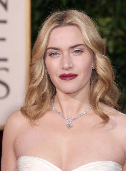 Kate Winslet at the 64th Golden Globe Awards held at the Beverly Hilton Hotel in Los Angeles - 15 January 2007 FAMOUS PICTURES AND FEATURES AGENCY 13 HARWOOD ROAD LONDON SW6 4QP UNITED KINGDOM tel 0 fax 0 e-mail FAM19402