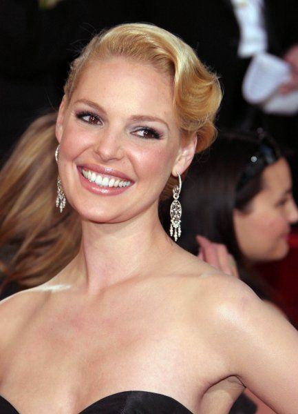 Katherine Heigl at the 64th Golden Globe Awards held at the Beverly Hilton Hotel in Los Angeles - 15 January 2007 FAMOUS PICTURES AND FEATURES AGENCY 13 HARWOOD ROAD LONDON SW6 4QP UNITED KINGDOM tel 0 fax 0 e-mail FAM19402