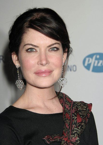 "Lara Flynn Boyle at The 14th Annual ""Race To Erase MS"" Gala held at the Century Plaza Hotel, Los Angeles - 13 April 2007 FAMOUS PICTURES AND FEATURES AGENCY 13 HARWOOD ROAD LONDON SW6 4QP UNITED KINGDOM tel 0 fax 0 e-mail FAM20040"