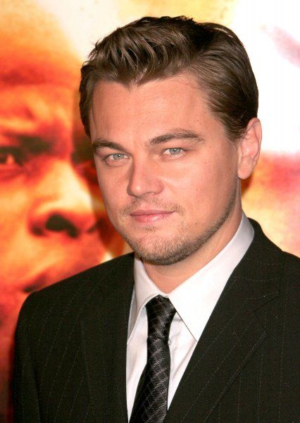 Leonardo DiCaprio at the Blood Diamond premiere held at Grauman's Chinese Theater in Hollywood - 06 December 2006 FAMOUS PICTURES AND FEATURES AGENCY 13 HARWOOD ROAD LONDON SW6 4QP UNITED KINGDOM tel +44 (0) 20 7731 9333 fax +44 (0) 20 7731