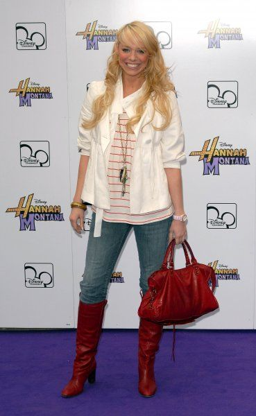 "Liz McClarnon of Atomic Kitten at Disney's ""Hannah Montana Live In London"" TV Special at Koko in Camden High Street, London - 28 March 2007 FAMOUS PICTURES AND FEATURES AGENCY 13 HARWOOD ROAD LONDON SW6 4QP UNITED KINGDOM tel +44"
