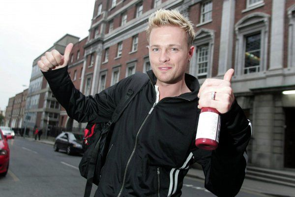 Westlife's Nicky Byrne leaves Holice Street Maternity hospital after his wife gives birth to twins Rocco and Jay, Dublin, Ireland - 20 April 2007 Territorial restriction: NOT FOR IRELAND FAMOUS PICTURES AND FEATURES AGENCY 13 HARWOOD ROAD