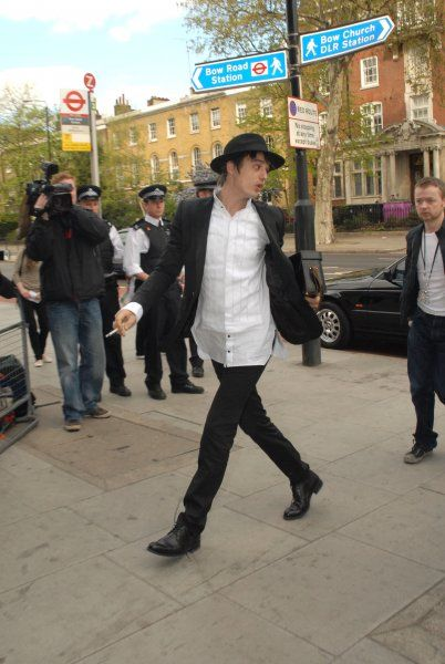 Pete Doherty arriving at Thames Magistrates Court in London - 18 April 2007 FAMOUS PICTURES AND FEATURES AGENCY 13 HARWOOD ROAD LONDON SW6 4QP UNITED KINGDOM tel 0 fax 0 e-mail FAM20068