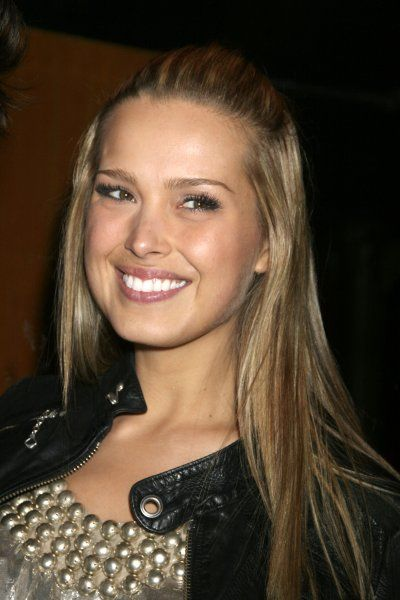 Petra Nemcova out and about in New York City - 30 April 2007 FAMOUS PICTURES AND FEATURES AGENCY 13 HARWOOD ROAD LONDON SW6 4QP UNITED KINGDOM tel 0 fax 0 e-mail FAM20359