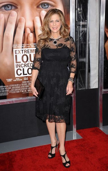 Rita Wilson at the premiere of 'Extremely Loud and Incredibly Close' in New York City - 15 December 2011 FAMOUS PICTURES AND FEATURES AGENCY 13 HARWOOD ROAD LONDON SW6 4QP UNITED KINGDOM tel 0 fax 0 e-mail  FAM43536