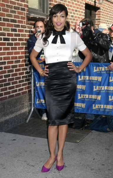 "Rosario Dawson at the ""Late Show with David Letterman"" in New York City - 30 March 2007 FAMOUS PICTURES AND FEATURES AGENCY 13 HARWOOD ROAD LONDON SW6 4QP UNITED KINGDOM tel 0 fax 0 e-mail FAM19944"
