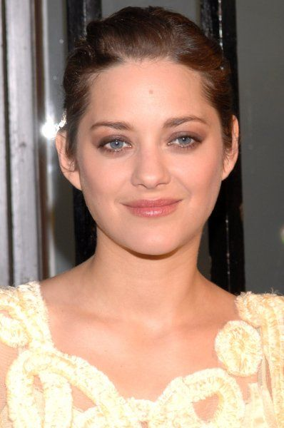 Marion Cotillard at a photocall for The Life Of Rose in Madrid, Spain - 10 April 2007 FAM20014