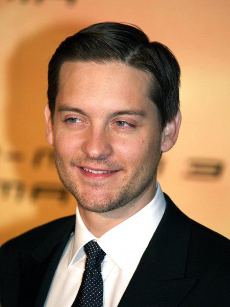 Tobey Maguire at the Italian premiere of Spiderman 3 in Rome - 24 April 2007 FAMOUS PICTURES AND FEATURES AGENCY 13 HARWOOD ROAD LONDON SW6 4QP UNITED KINGDOM tel 0 fax 0 e-mail FAM20315