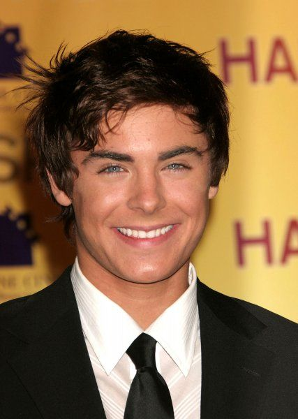 Zac Efron at the ShoWest photocall for Hairspray at the Paris Hotel and Casino in Las Vegas - 14 March 2007 FAMOUS PICTURES AND FEATURES AGENCY 13 HARWOOD ROAD LONDON SW6 4QP UNITED KINGDOM tel 0 fax 0 e-mail FAM19827